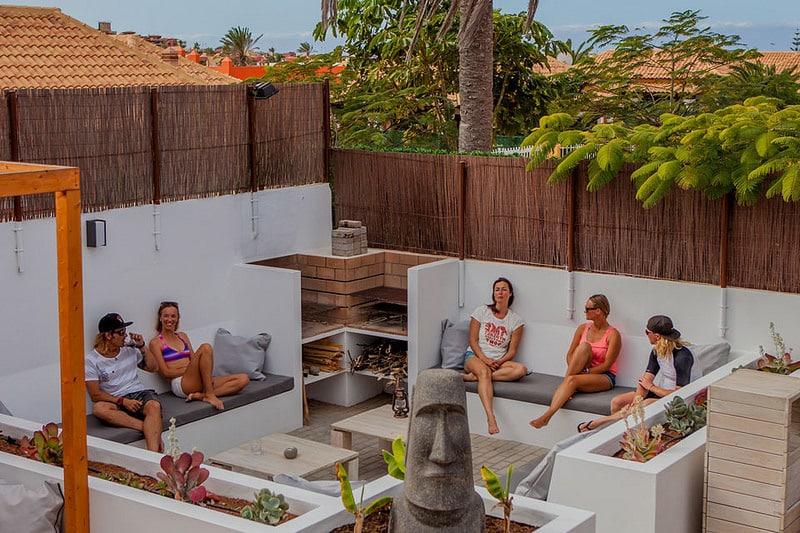 Surf camp Corralejo Fuerteventura, iles Canaries Ocean Experience Tarrasse détente