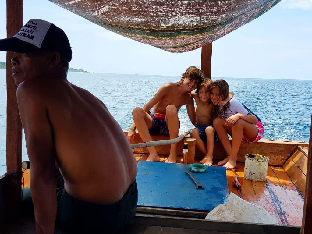 Boat Trip Simeulue Sumatra, Indonésie - Surf Resort
