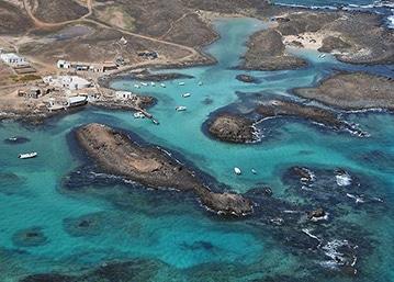 Surf-Camp-Corralejo-Fuerteventura-lobos-island