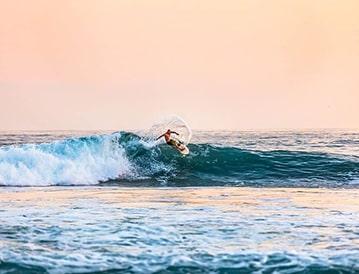 Surf Camp Corralejo Fuerteventura vague du nord