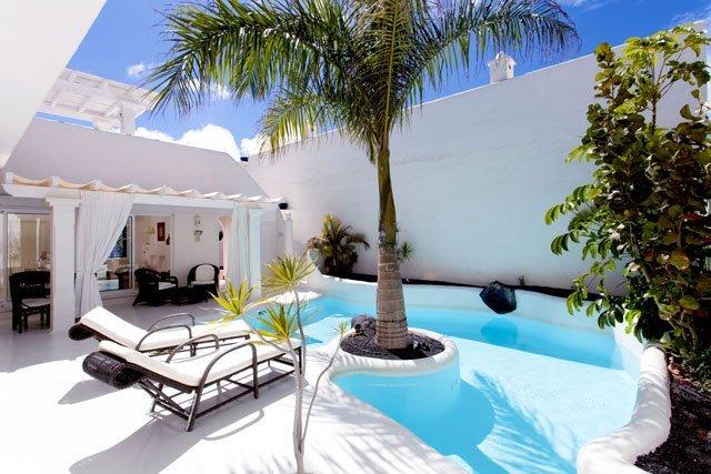 19-luxury-villa-in-corralejo