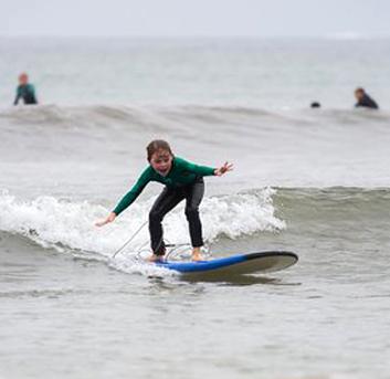 cours-surf-enfant-hendaye