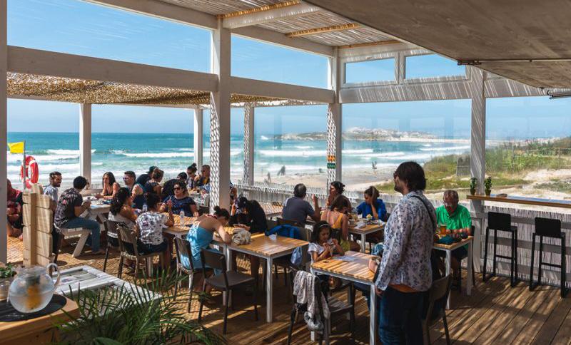 baleal restaurant ocean adventure surfcamp