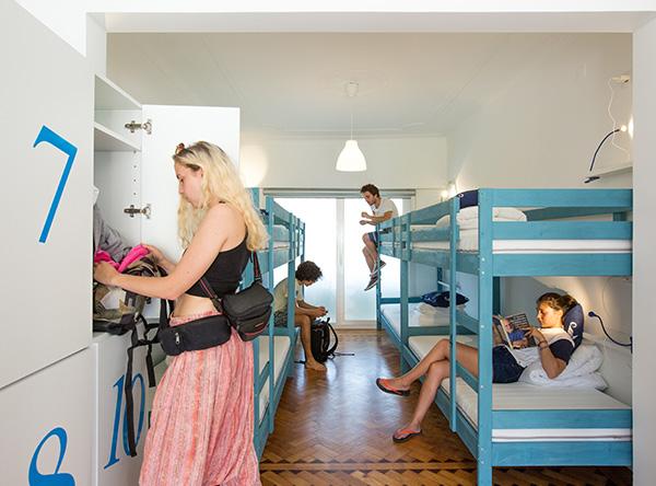 10-Bed-Room