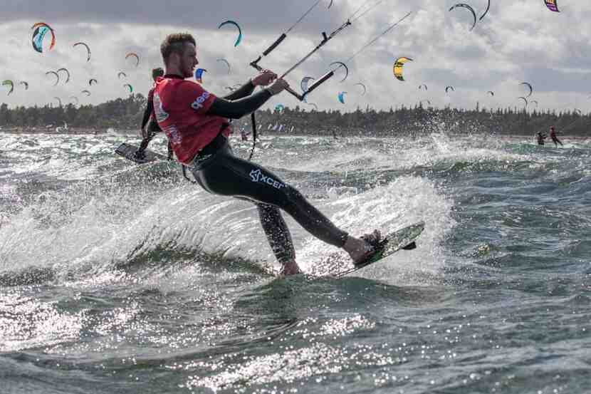 Comment s'équiper en kitesurf ?