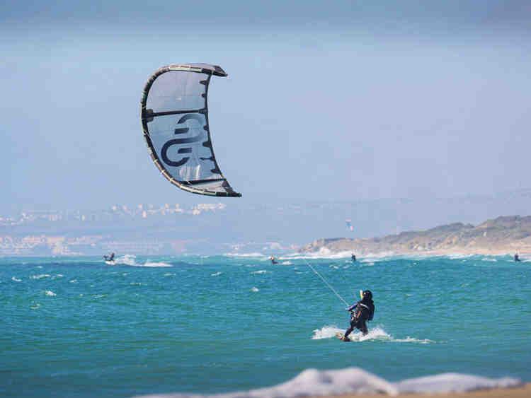 Quel matériel pour commencer le kitesurf ?