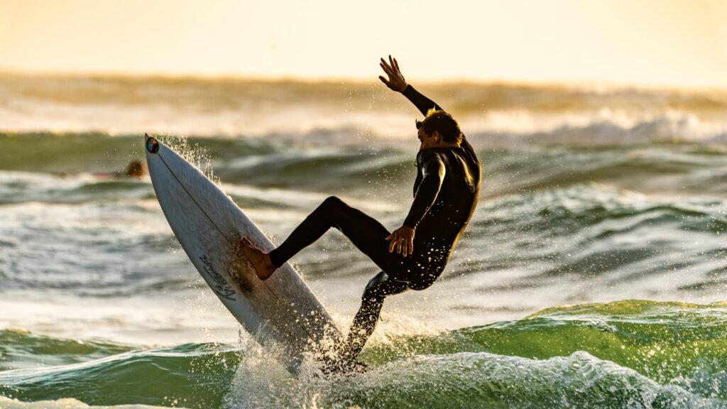 thio-surf-ocean-guy-kawasaki-1600×900